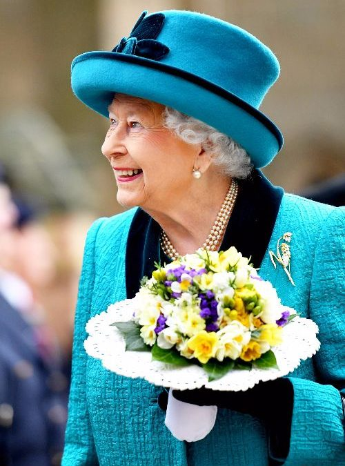 Her Majesty The Queen carries Grampian Growers daffodils!